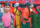 Hindistan'ın kırsal bölgelerinde yaşayan kadınlar yoksulluk ve patriyarka nedeniyle Maoistlere katılıyorlar…