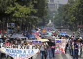 Meksika: 30.000 Öğretmen Sokağa Çıktı