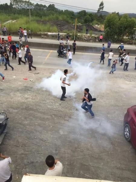 Köylüler üzerine gaz bombası atıldı