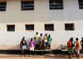 Sri Lanka hapishanelerinde yıllarca bazıları ölümle sonuçlanan şiddetli isyanlar meydana geldi