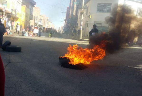 Yol kesme eyleminden bir kare, Fotoğraf: Miriam Chavez