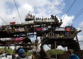 """Almanya: """"Kömürü Değil Sınırları Yakın"""" Diyen Protestocular Kömür Madenini İşgal Ettiler"""