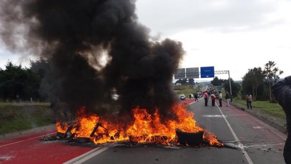 protesta-chiloe-marea-roja