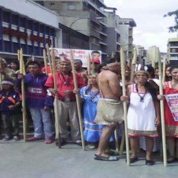 Venezuela: Yerli Halklar OAS Müdahalesine Karşı Yürüdü [Foto Haber]