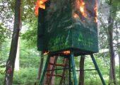Fransa: ALF Avcı Kulübelerini Ateşe Verdi