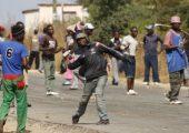 Zimbabve: Kamu Çalışanları Genel Grevine Polis Saldırısı ve Direniş, 57 Gözaltı