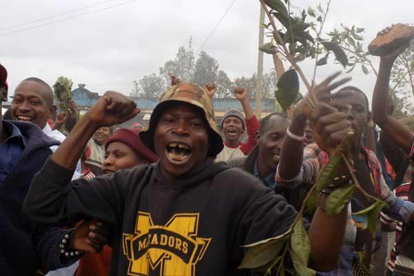 Kirinyaga eyaleti Thumaita Çay fabrikasından çiftçilerin düşük ücret protestosu. Fotoğraf | George Munene | Nation Media Grubu