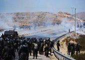 Polis ve kooperatif madencileri arasında Bolivia'da Panduro'da (La Razón) çatışma.