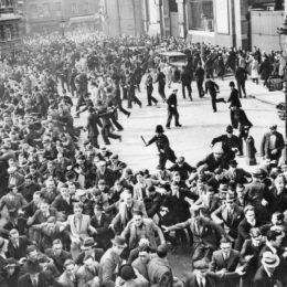 1936 İngiltere'sinden Antifaşist Zafer: Cable Caddesi Savaşı