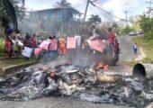 Tirinidad ve Tobago: Temiz Su ve Altyapı Sistemi Protestosunda Ateşten Barikat