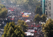 Şili'de Büyük Öğrenci Yürüyüşü