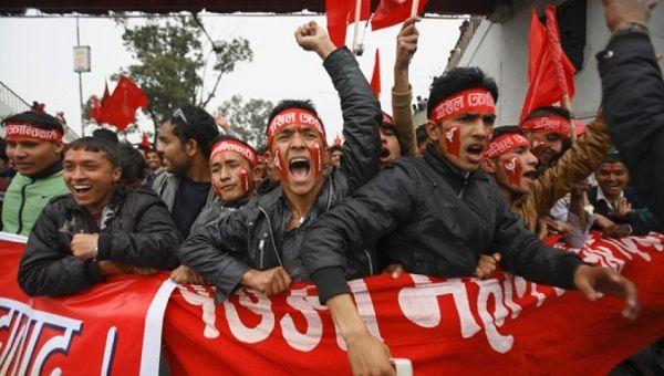 Nepal ve Venezuela Seçimlerini Sol İttifaklar Kazandı