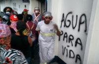 Brezilya: MST'li Kadınlar, Suyun Özelleştirilmesine Karşı Tekelci Nestlé'yi İşgal Ettiler