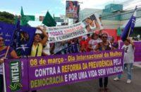 Brezilya: 800 Kadın Darbe Sponsoru Globe Gazetesi Binasını İşgal Etti