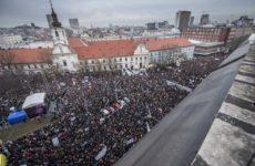 Slovakya: Yolsuzluklara Karşı Halk Sokağa Çıktı