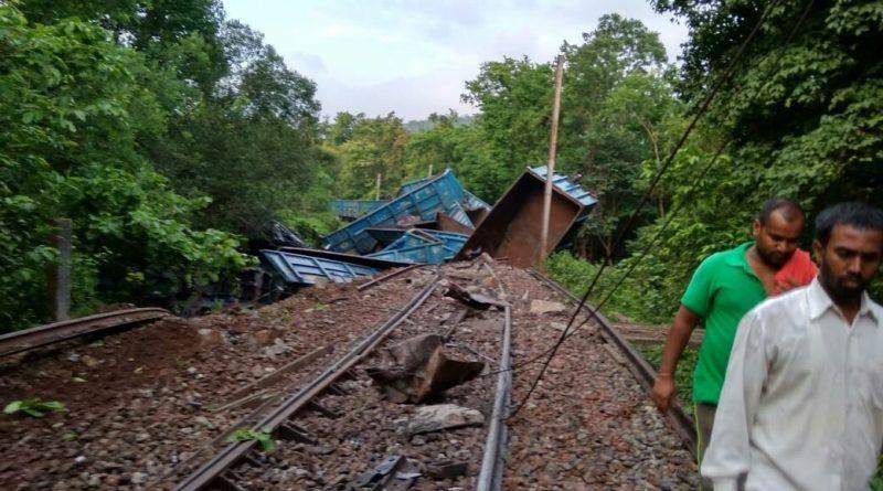 Hindistan: HKP(Maoist) Demiryoluna Sabotaj Düzenledi, 30'a Yakın Vagon Raydan Çıktı