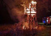 Almanya: Hayvan Kurtuluş Cephesi Avcı Kulelerini Yaktı