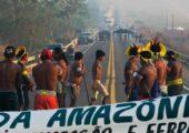 Brezilya: Yerliler Çevre Tazminatı ve Covid-19 Önlemleri İçin Otobanı Kesti