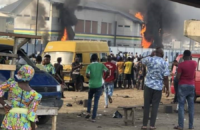 Nijerya: Halk Direnişi Sürüyor, Karakollar Ateşe Verildi, Gıda Depoları ve Bankalar Halk Tarafından Kamulaştırıldı