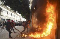 Guatemala: Salgında Direniş Sürüyor, Meclis Ateşe Verildi [Fotohaber]